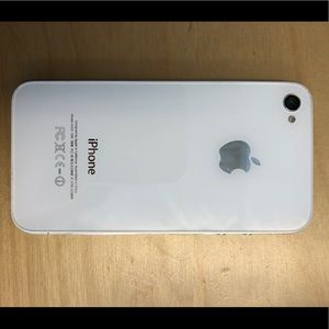 iPhone 4 A1332 White - Cracked Screen